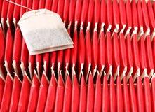 Aromatische Teebeutel vereinbaren in den Kastenteebeuteln vereinbaren im Kasten Stockfotografie