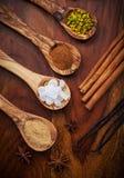 Aromatische voedselingredi?nten voor baksel Stock Foto's