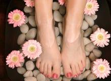 Aromatisches entspannendes Fußbad pedispa Stockfotos