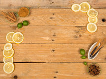 Aromatisk stekhet ingrediensbakgrund Royaltyfri Bild