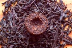 aromatisk svart erhpu-tea Arkivbild