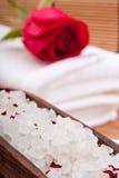 aromatyczna kąpania róży sól Zdjęcie Royalty Free