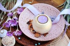 Aromatyczna lawendowa świeczka, zdroju plakat Obrazy Royalty Free