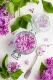 Aromatyczny lily cukier na słoju obraz royalty free