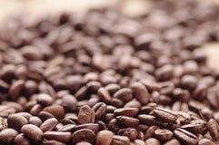 Aromatyczny piec kawowy tło zamknięty w górę zdjęcie royalty free