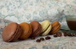 Aromes et saveurs des Frances Macarons photographie stock