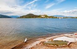 arona angera piedmont λιμνών Λα της Ιταλίας φρουρίων lakefront maggiore όψη rocca Στοκ φωτογραφία με δικαίωμα ελεύθερης χρήσης