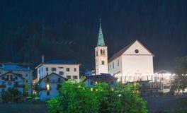 Aronzo τη νύχτα, Ιταλία Πόλης κέντρο στην καρδιά των δολομιτών Στοκ φωτογραφία με δικαίωμα ελεύθερης χρήσης