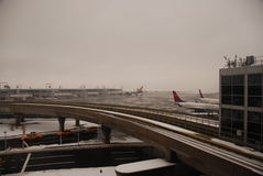 Aéroport de JFK après une tempête Images stock