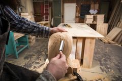 Arpenter εργασία Ð ¡ στο εργαστήριο Στοκ Φωτογραφίες