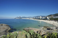 Arpoador Ipanema海滩里约热内卢巴西地平线 免版税库存照片