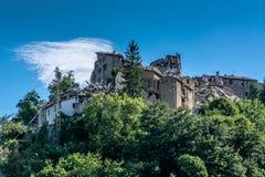 Arquata del Tronto ` s χωριό που καταστρέφεται μεσαιωνικό από το σεισμό Στοκ Φωτογραφία