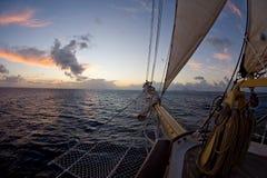 Arqueamiento de un velero del barca goleta Imágenes de archivo libres de regalías