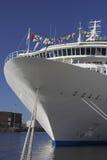 Arqueamiento del barco de cruceros imágenes de archivo libres de regalías