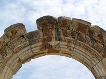 Arqueamiento del templo del griego clásico Fotos de archivo