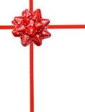 Arqueamiento rojo del regalo de los puntos de polca Fotos de archivo libres de regalías