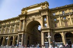Arquee en el della Repubblica de la plaza del cuadrado de la república imagenes de archivo