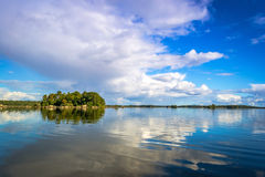 Arquipélago sueco bonito do lago Imagem de Stock