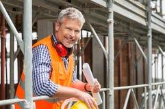 Arquitecto de sexo masculino feliz Fotografía de archivo libre de regalías