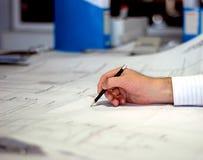 Arquitecto durante trabajo Imagen de archivo libre de regalías