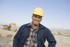 Arquitecto feliz At Construction Site Imágenes de archivo libres de regalías