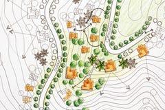 Arquitecto paisajista Designing en plan del análisis del sitio foto de archivo
