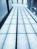 Arquitectura azul del arco de la ventana de la elevación del edificio de oficinas del arco del arquitecto del metal de la estruct Imagen de archivo libre de regalías