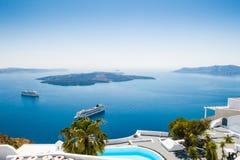 Arquitectura blanca en la isla de Santorini, Grecia Imagen de archivo