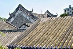 Arquitectura china única Pagodas y tallas de los tejados foto de archivo