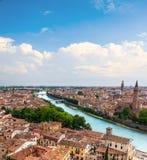 Arquitectura da cidade bonita Vista aérea região de Verona, Itália, Vêneto Imagem de Stock
