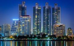 Arquitectura da cidade da noite, Salão Fotos de Stock