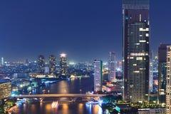 Arquitectura da cidade de Banguecoque na noite. foto de stock