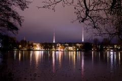 Arquitectura da cidade de Lahtii, Finlandia da noite Foto de Stock Royalty Free