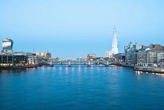 Arquitectura da cidade de Londres com o estilhaço imagens de stock