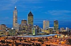 Arquitectura da cidade de Perth na noite fotografia de stock