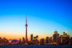 Arquitectura da cidade de Toronto durante o por do sol Imagens de Stock Royalty Free