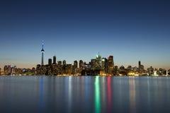 Arquitectura da cidade de Toronto no crepúsculo Fotografia de Stock Royalty Free