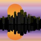 Arquitectura da cidade urbana na água Imagens de Stock Royalty Free