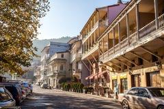 Arquitectura de la ciudad vieja de Tbilisi, en el distrito de Abanotubani Imagen de archivo libre de regalías