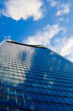 Arquitectura de Londres - edificios - azul del color fotografía de archivo libre de regalías