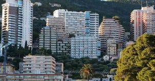 Arquitectura de Mónaco Real Estate en la colina de la montaña metrajes