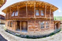 Arquitectura de madera tradicional búlgara Foto de archivo