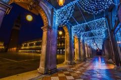 Arquitectura de Venecia en la Navidad Imagenes de archivo