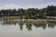 Arquitectura del jardín del estilo chino Foto de archivo libre de regalías