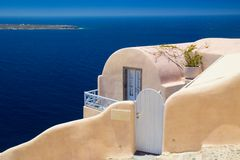 Arquitectura del pueblo de Oia en Santorini, Grecia Foto de archivo libre de regalías