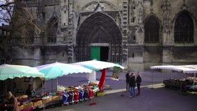 Arquitectura gótica antigua, santo famoso Andre Cathedral en Burdeos, Francia metrajes