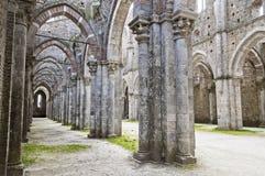 Arquitectura gótica de una iglesia Imagen de archivo libre de regalías