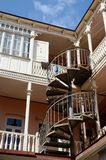 Arquitectura georgiana tradicional en Tbilisi, Georgia Imagen de archivo