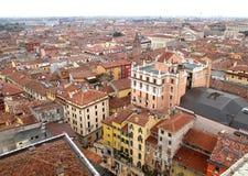 Arquitectura hermosa del vintage y el paisaje urbano de Verona Old Town Fotos de archivo libres de regalías