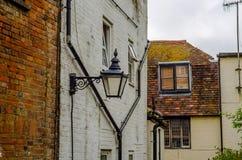 Arquitectura inglesa típica, edificios residenciales en fila alo Fotografía de archivo